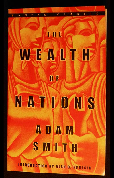 The Wealth of Nations; Adam Smith; Introduction by Alan B. Krueger; Edited, with notes and Marginal Summary, by Edwin Cannan. Adam Smith.